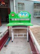 有一张八.九成新的学习桌出售,价格美丽15939190255