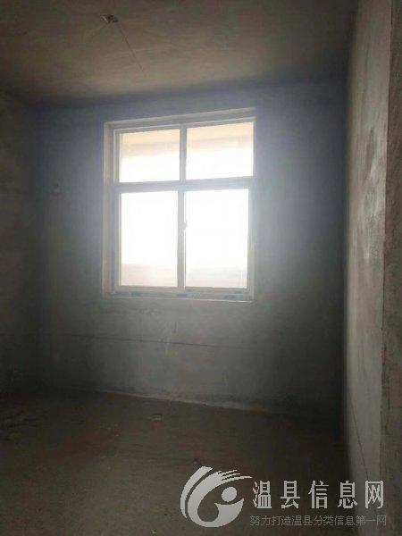 城西电梯中层,123平方,带储藏室一间,交通方便,随时看房